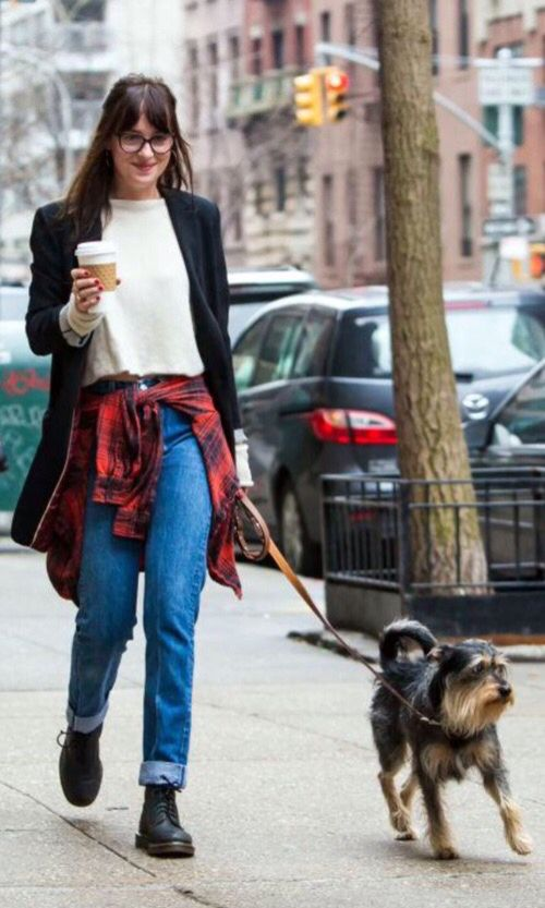 Beauty Clothing Clothes Outfit Blazer Jean Shirt Plaid Street Style Dog Hipster Cute Walking Outfits Dog Walking Outfit Dakota Johnson Style