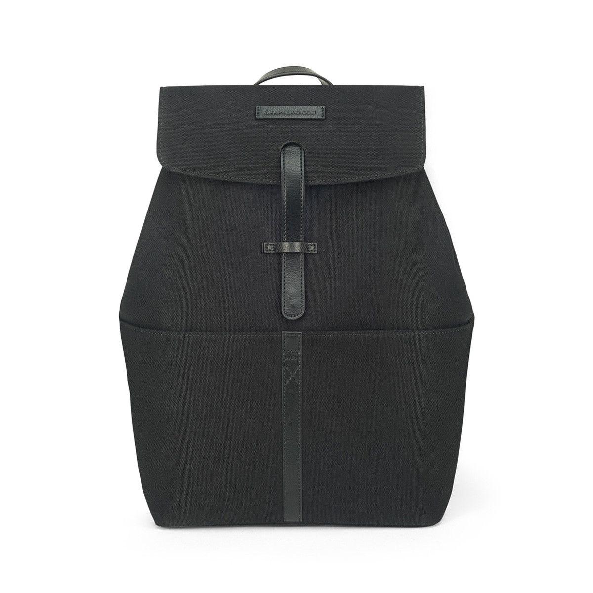 ca00bd4d42793 Kleiner schwarzer Rucksack aus wasserabweisendem Canvas-Stoff