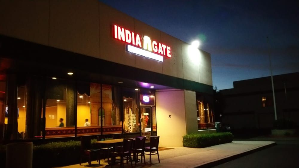 Check Out This India Gate Restaurants In Los Angeles Where They Server Delicious Indian Foods You Can Also Get M Restaurant Order India Gate Los Angeles Food