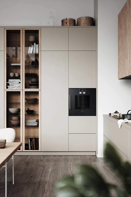 Eine Beige Kuche Mit Deckel Und Arbeitsplatte Aus Fenix Laminat Mit Weiss Pigmentierter Eiche P Arbeitspla In 2020 Home Decor Kitchen Kitchen Interior Home Decor