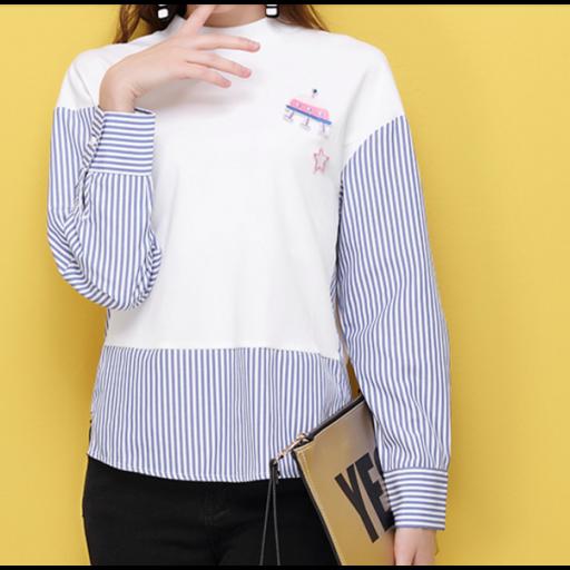 بلوزة قطنية بأطراف من الشيفون بلوزة ابيض اللون مخططة الأطراف بلون ازرق بتخطيط عصري بلوزة بأكمام طويلة وواسعة بلوزة طويلة Cotton Blouses Cotton Blouse