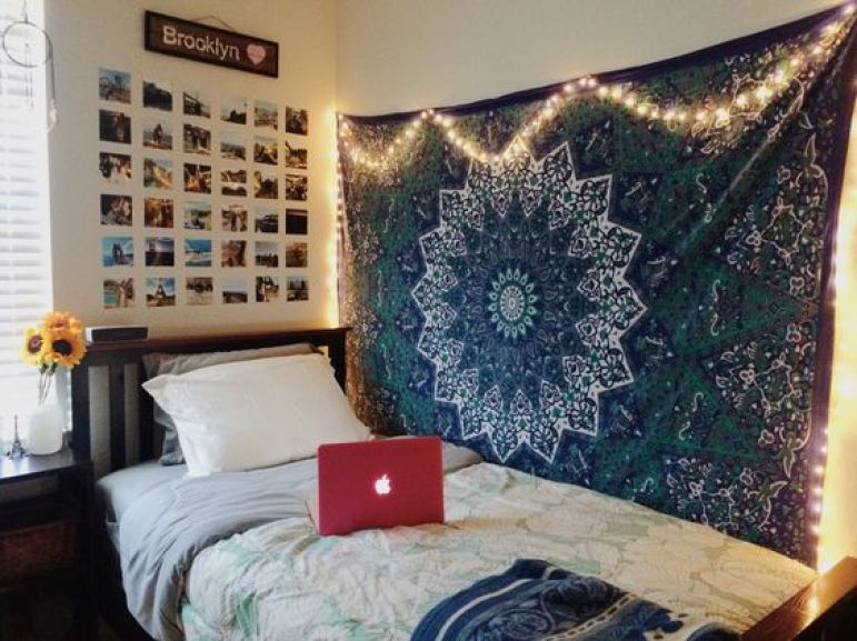 Dorm room wall decor tumblr rooms