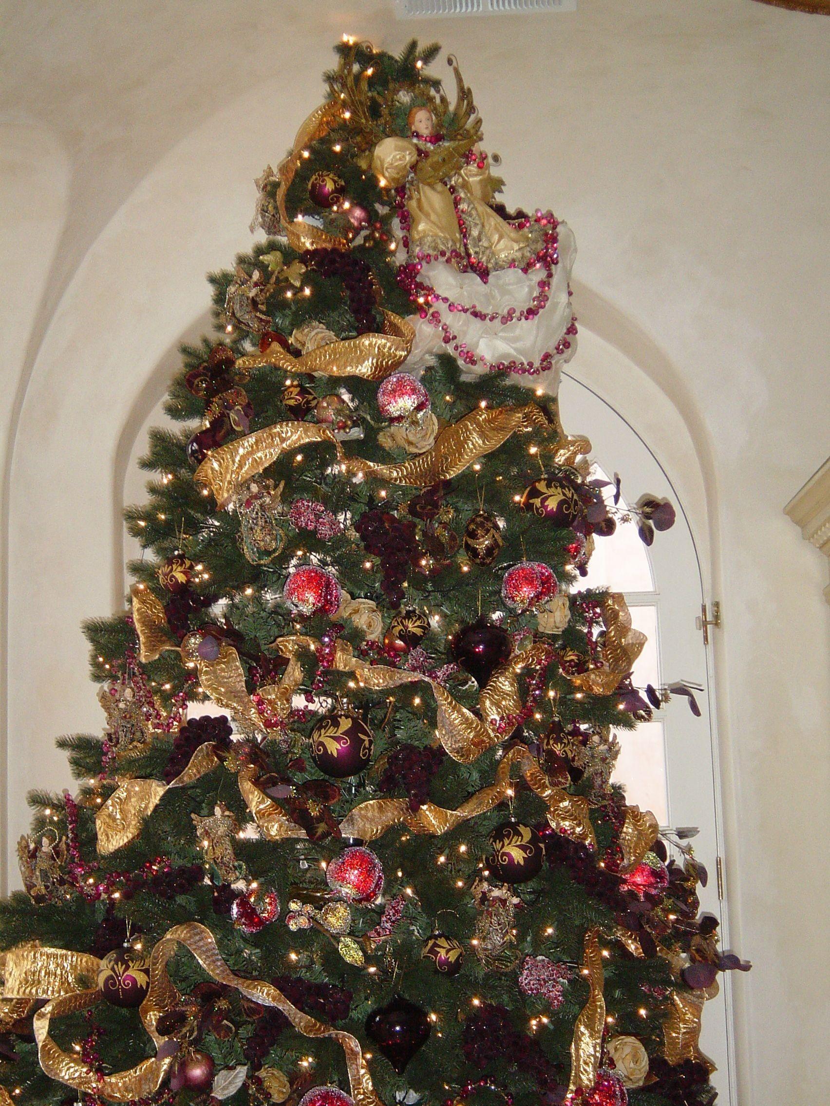 wonderfull elegant christmas decorations installed following site