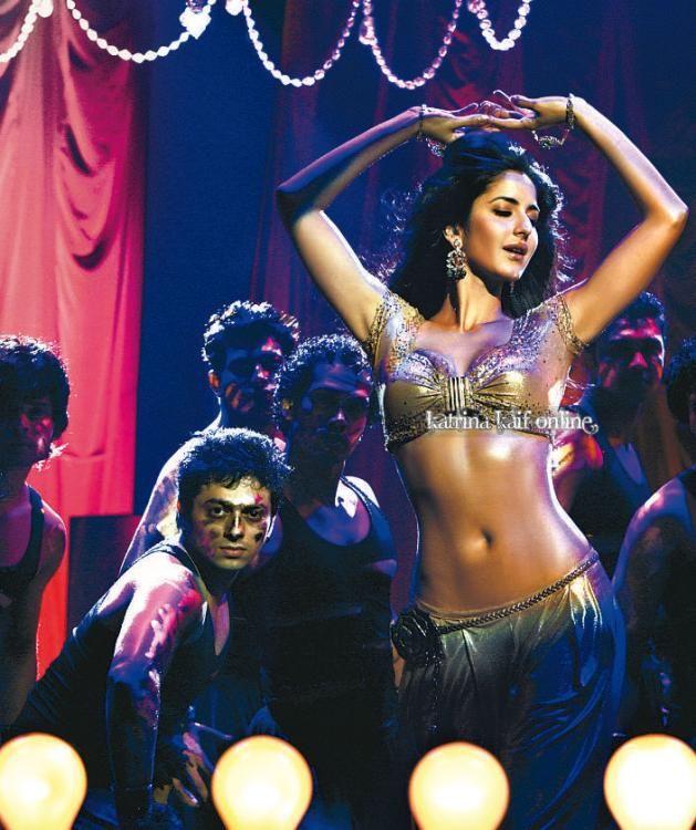 Katrina In Sheela Ki Jawani Item Song From Tees Maar Khan Katrina Kaif Photo Katrina Kaif Body Katrina Kaif Navel