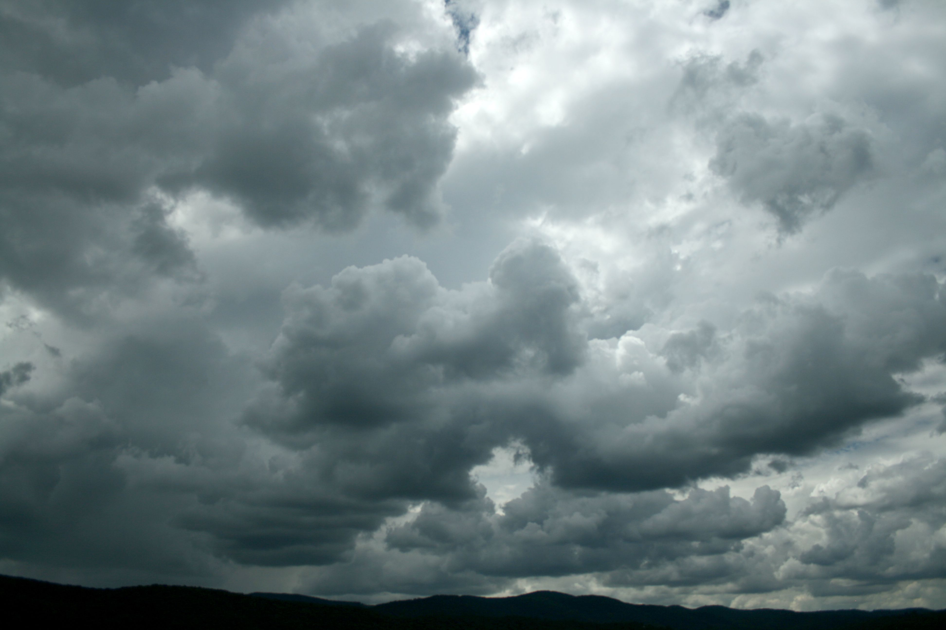 storm sky pictures - Google Search | Walking in the rain, Storm, Clouds
