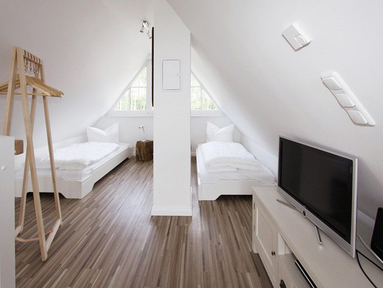 ferienhaus hus hanbutt attic space bedroom bathroom home theater ideas pinterest. Black Bedroom Furniture Sets. Home Design Ideas