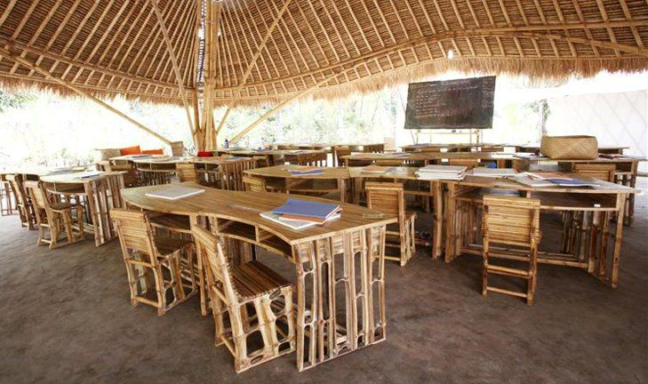Green school classroom 100 bamboo even the blackboard for Fourniture restaurant