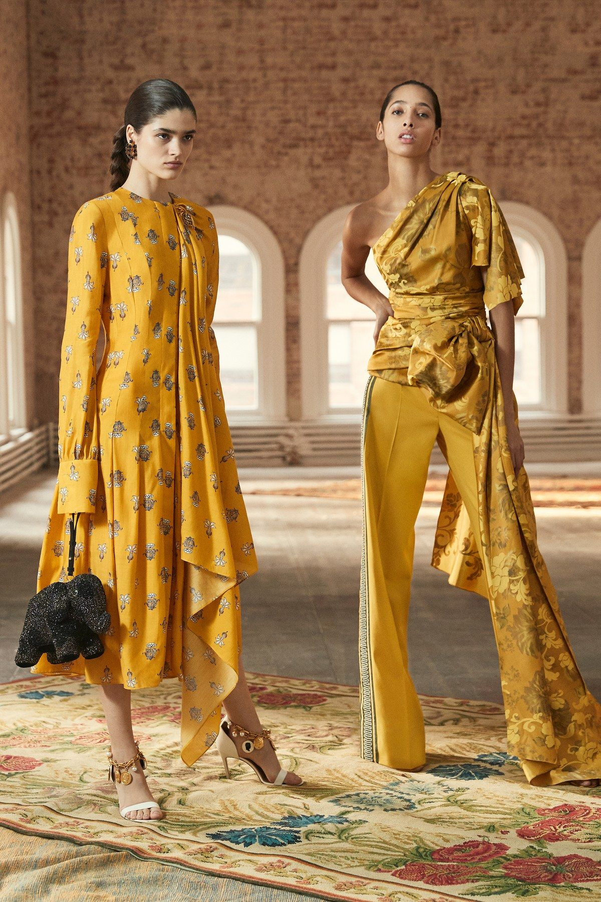 Oscar de la Renta Pre-Fall 2019 Fashion Show #fall2019fashiontrends