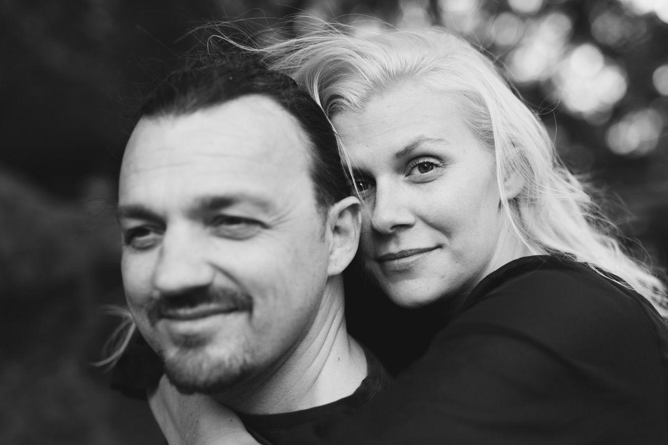 Fantastisk pre-shoot med fantastiskt par i #botaniska i #göteborg. Bröllop i slutet av maj. Can't wait. #bröllopsfotografering #bröllopsfotograf