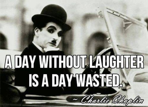 Imagen vía We Heart It https://weheartit.com/entry/75918898/via/5613160 #blackandwhite #charliechaplin #laught #photography #quotes #true #type
