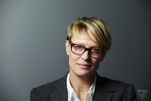 Robin Wright Hairstyles and Haircuts