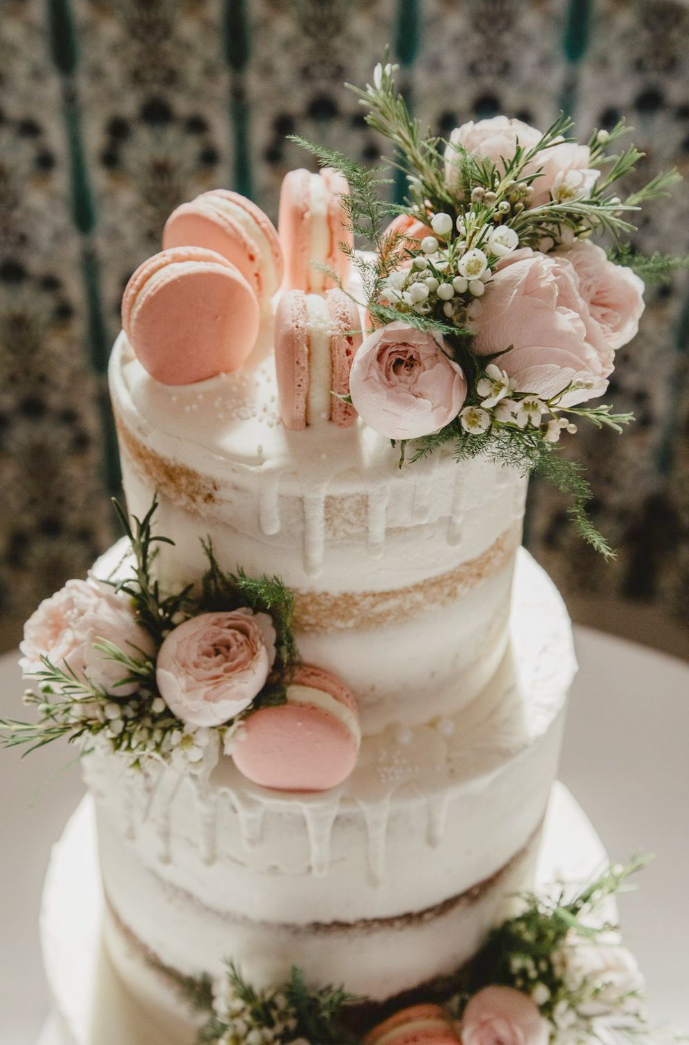 Weddingwire App; Wedding Cake Decoration Ideas Pinterest - Garden