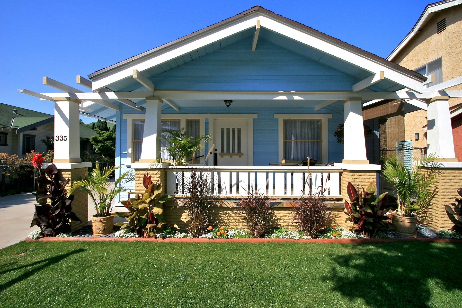 California bungalow california bungalow and craftsman for Minimalist house california