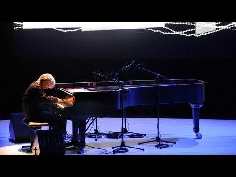 ▶ Alva Noto & Ryuichi Sakamoto - Naono: Yoko Ono's Meltdown - YouTube