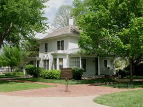 Ike's boyhood home (and Presidential Library and Museum) in Abilene, KS
