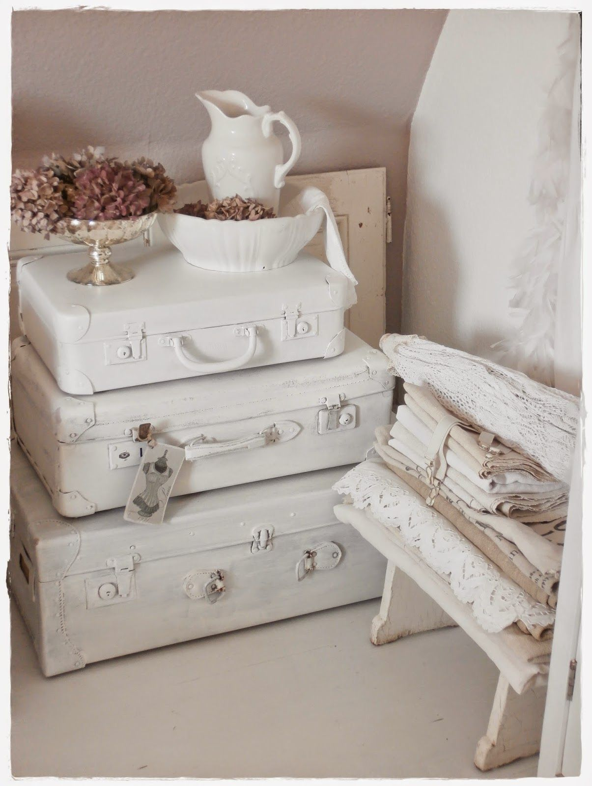 shabby chic shabby chic decor pinterest valises bienvenue chez nous et deco recup. Black Bedroom Furniture Sets. Home Design Ideas