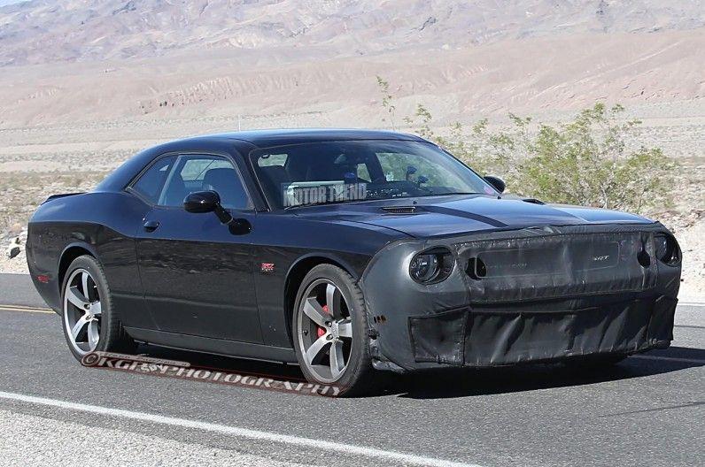 Spied Supercharged Dodge Challenger Srt Team In The Desert Dodge Challenger Srt Dodge Challenger Challenger Srt