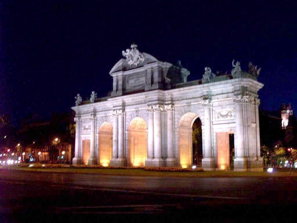 Puerta de Alcalá (Madrid)