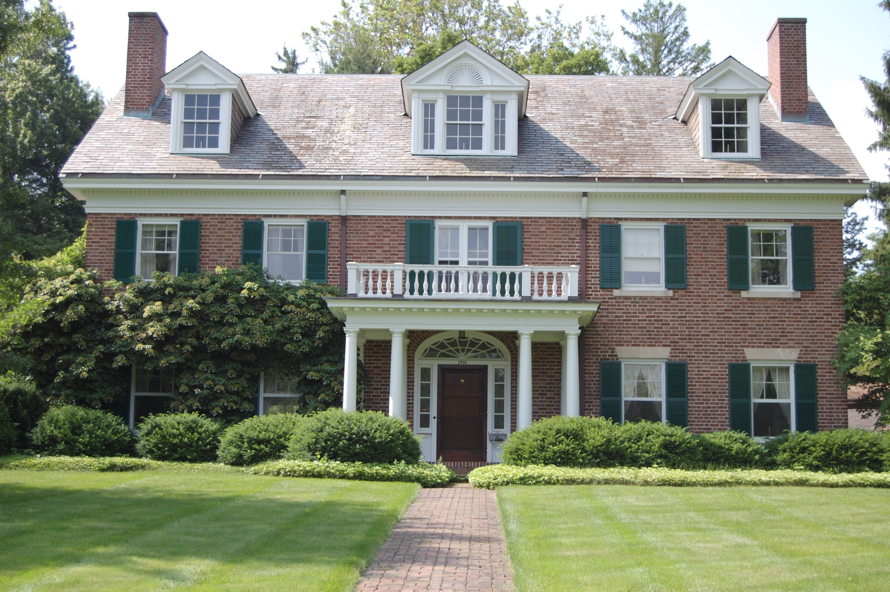 Georgian Colonial Revival houses are a symmetrical beauty.
