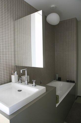 gain de place petite salle de bain sur pinterest sdb petite salle de bain salle et petite. Black Bedroom Furniture Sets. Home Design Ideas