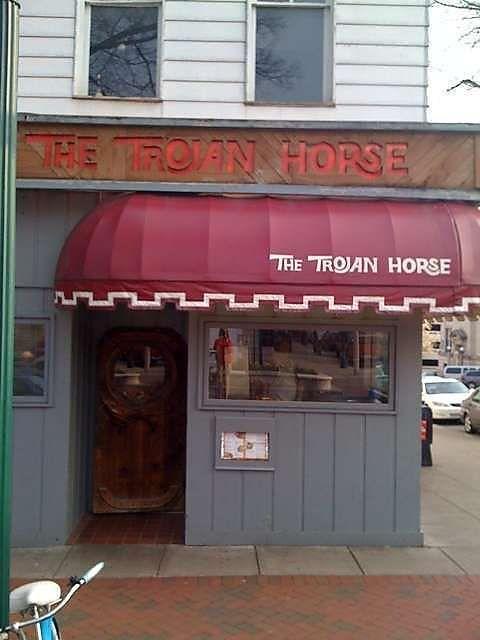 Trojan Horse Restaurant Bloomington In Love The Heavy