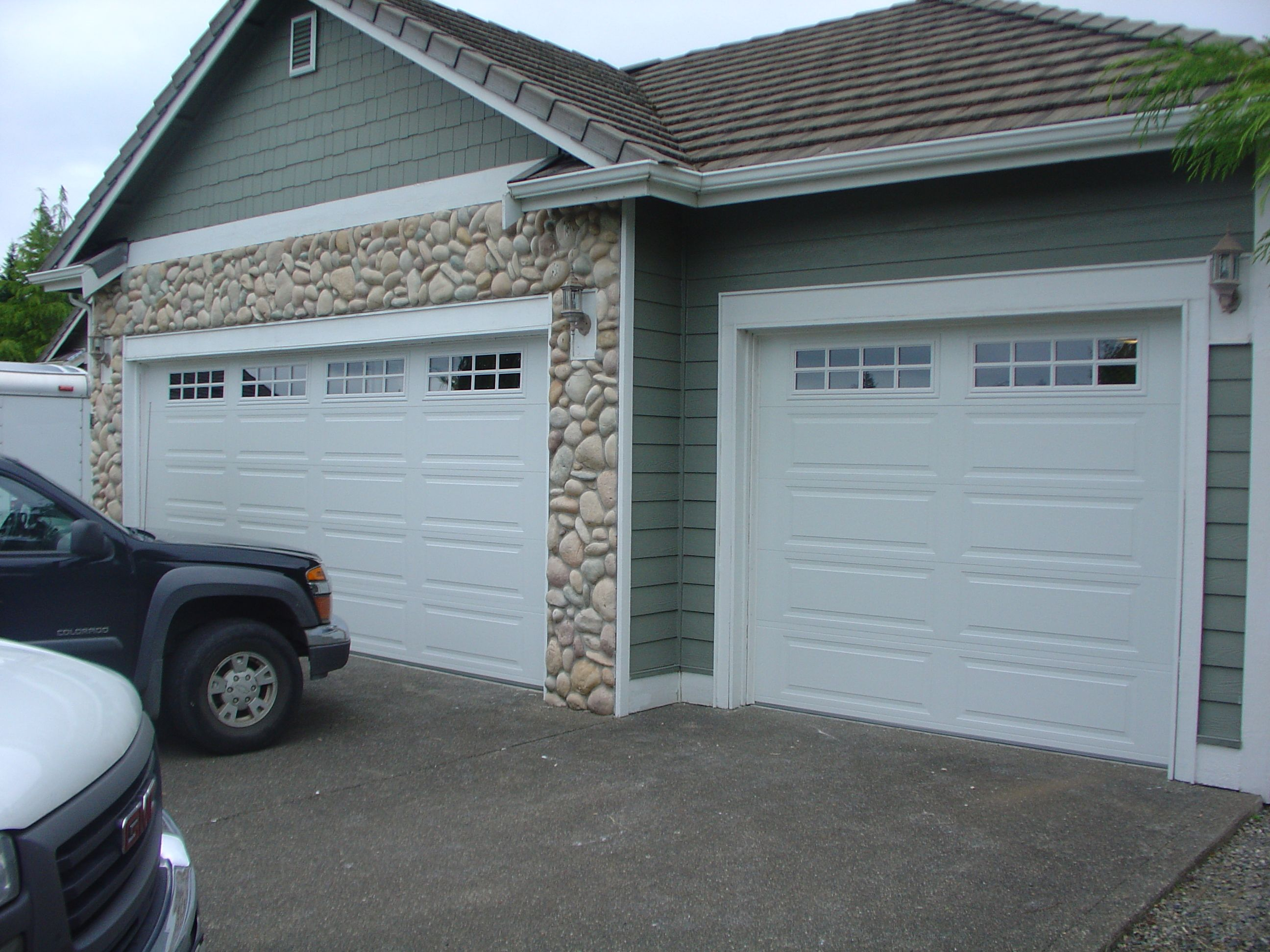 orchard com garage mip inc grove wi g f city yp cleveland door professional services rd