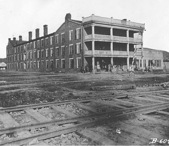 Chattanooga, Tennessee. View of the front and side of Crutchfield House, post headquarters and hospital during the Civil War, and railroad depot   1862