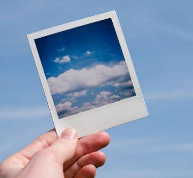 She showed me a photo.    彼女が私に写真を見せてくれた。