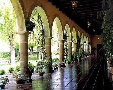 mexican hacienda architecture pinterest rund ums. Black Bedroom Furniture Sets. Home Design Ideas