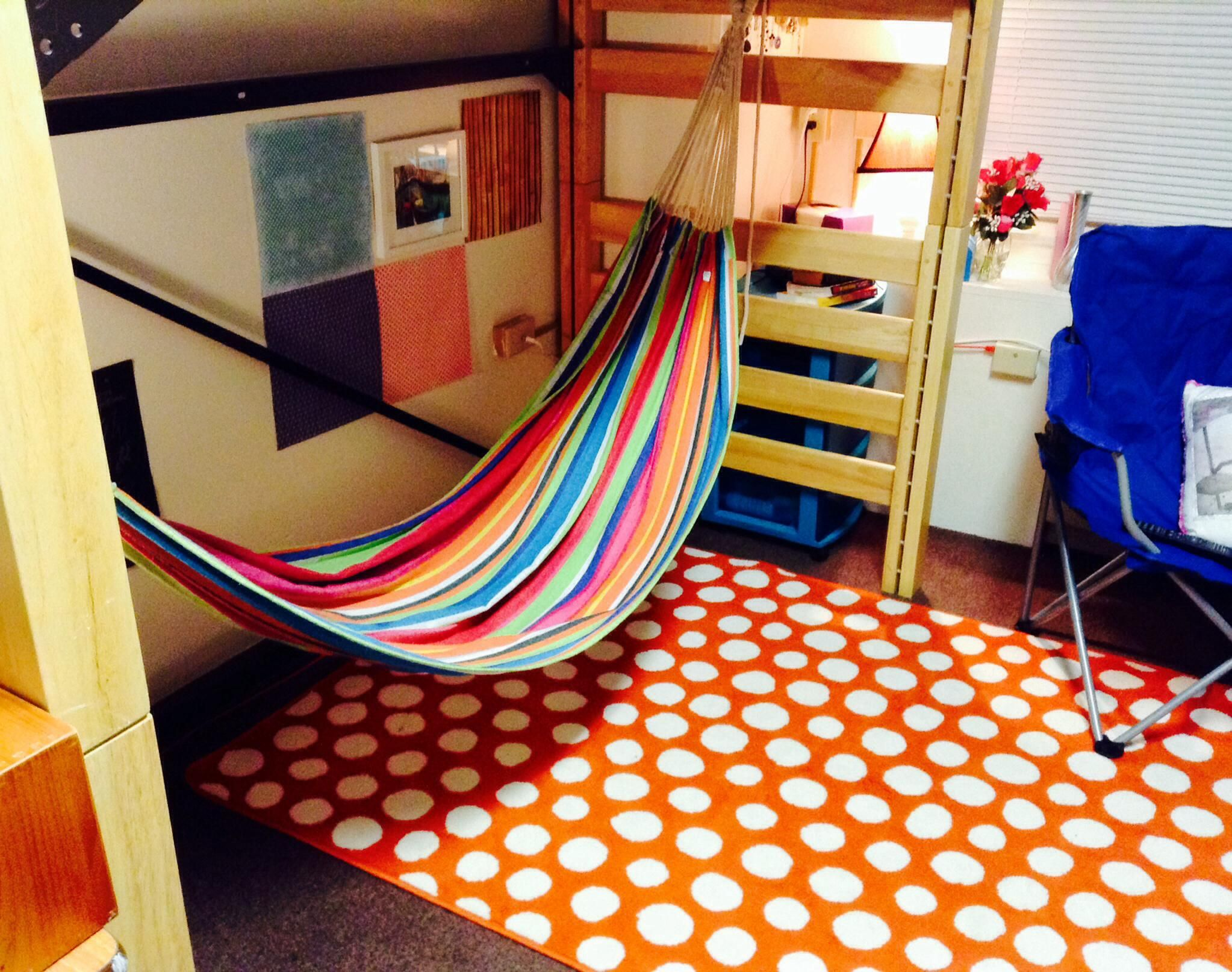 Hang a hammock under your bed in your dorm room! | College Life ...