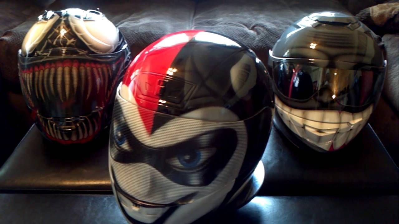 Pin By Lori Sarreal On Helmets Batman Motorcycle Helmet