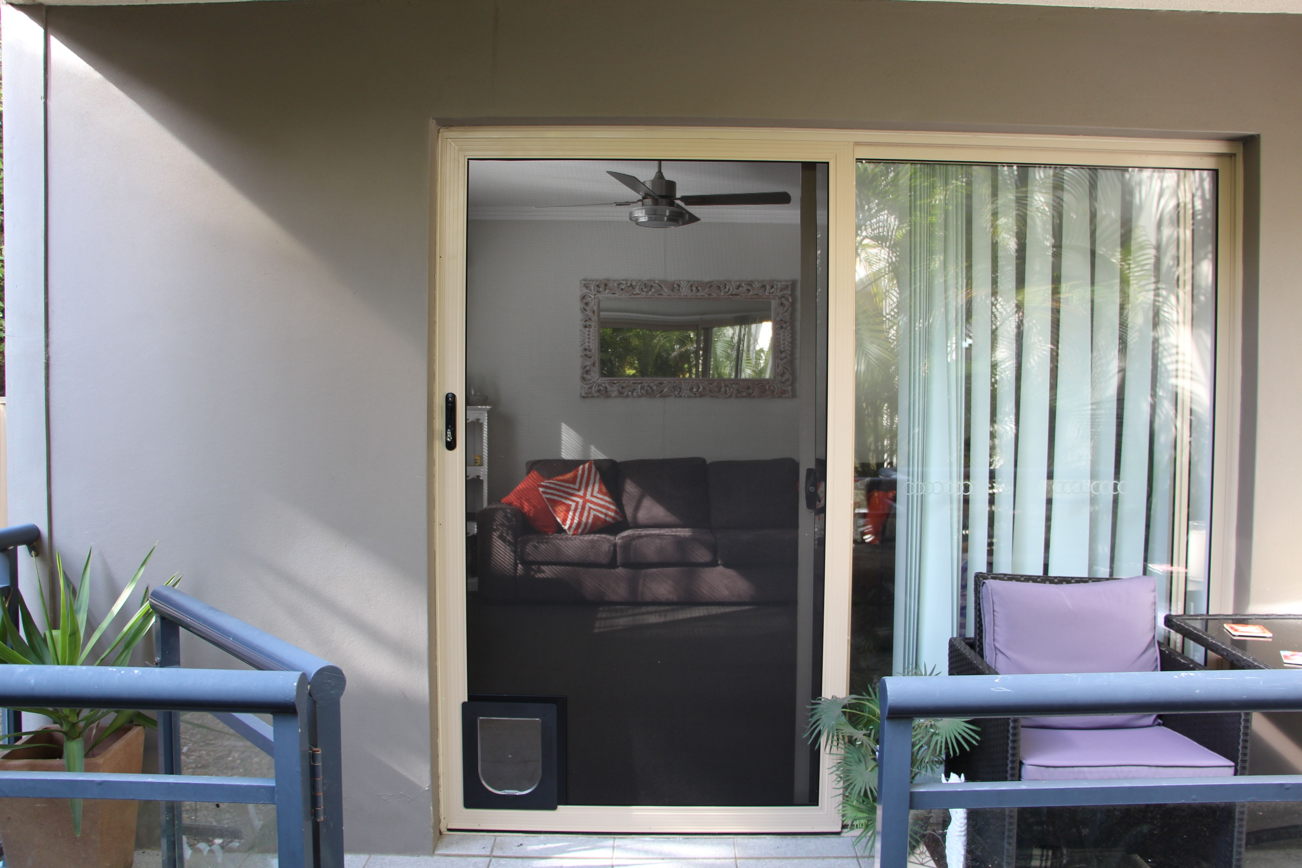SecureView Modern Sliding Security Screen Door Stainless Steel Mesh SP  Screens Servicing Sydney And Surrounding Suburbs, Illawarra, Central Coast  And ...