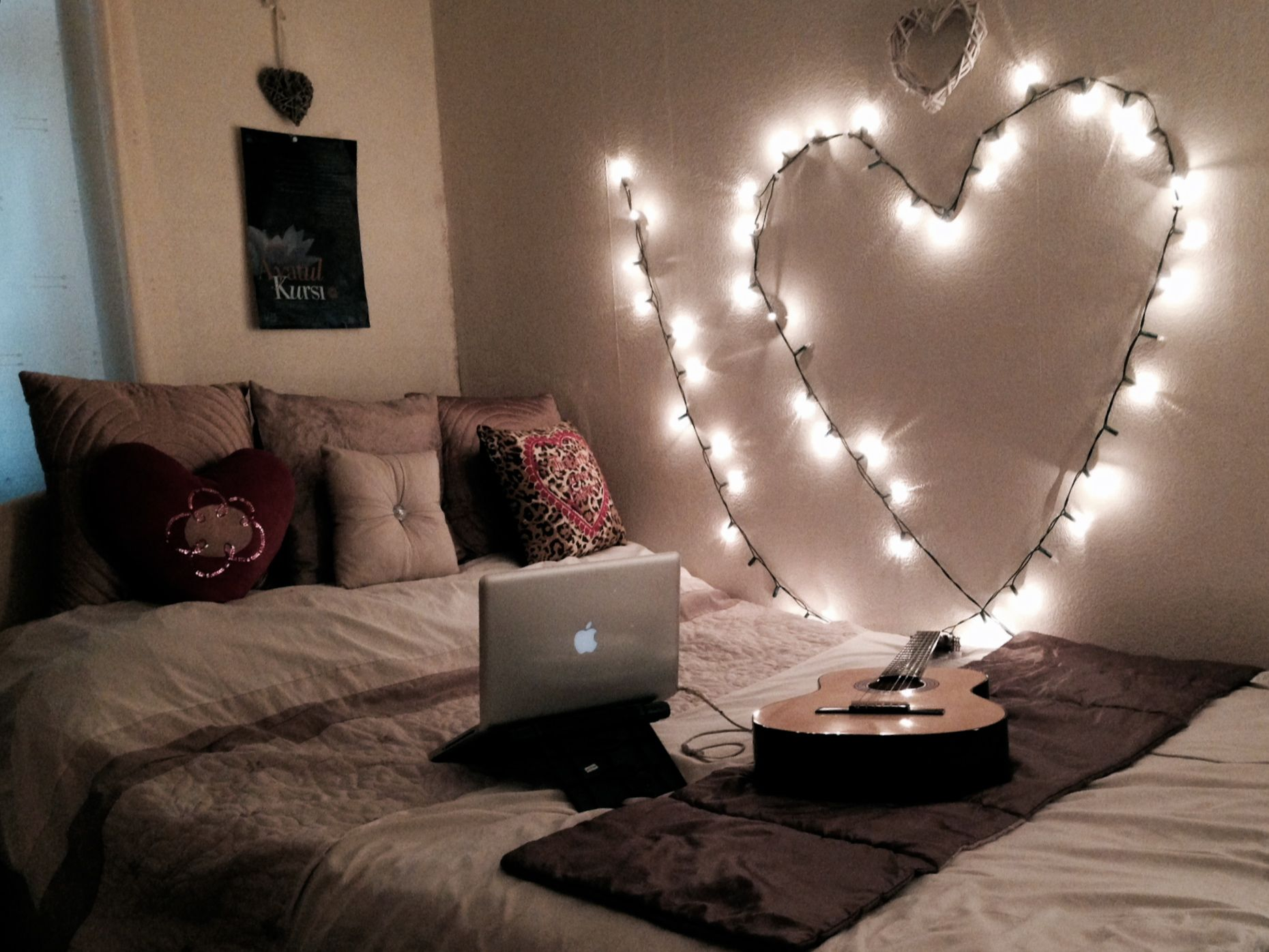 ways to create a romantic ambiance with string lights li