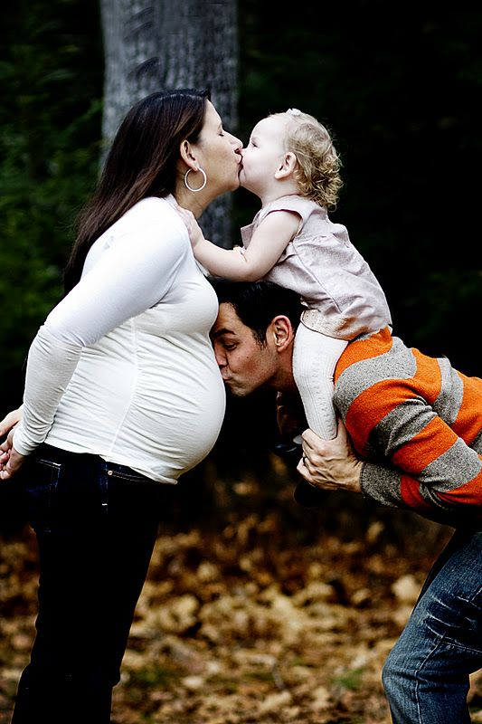 Family Pregnacy Pic! lmfao @Michelle Flynn P. I thought of you and that photo you accidentally took of @Jeremy Clements McDonald this is such a great pose.