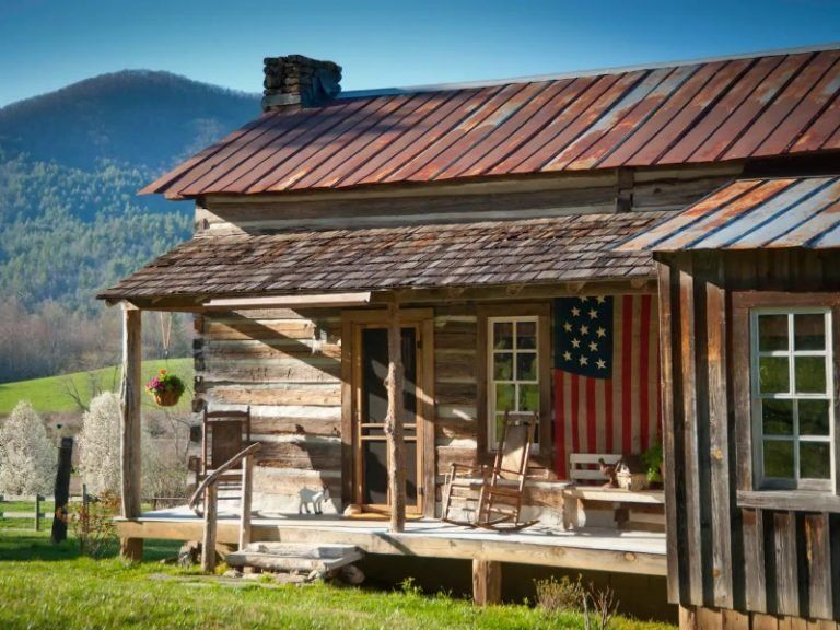 13 Coziest Cabin Airbnbs in the United States