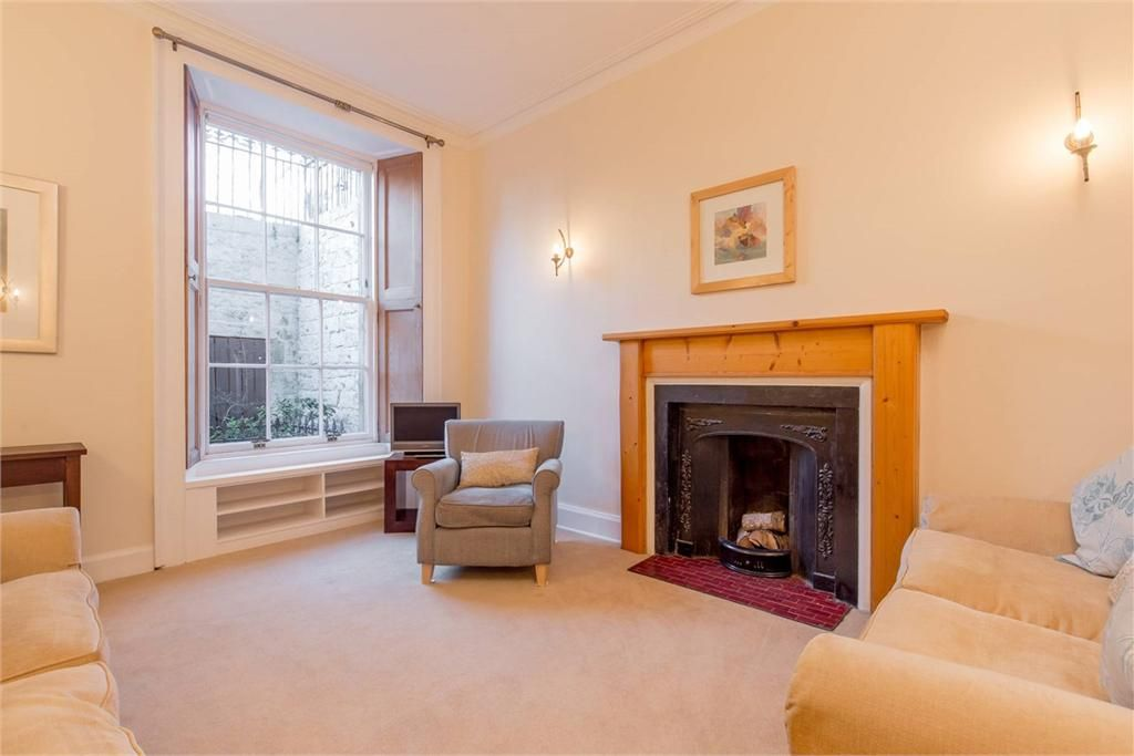 54a India Street Edinburgh Eh3 6hd Property For Sale 2 Bed Garden Flat With 1 Reception Room Espc Fe India Street Reception Rooms Find Homes For Sale
