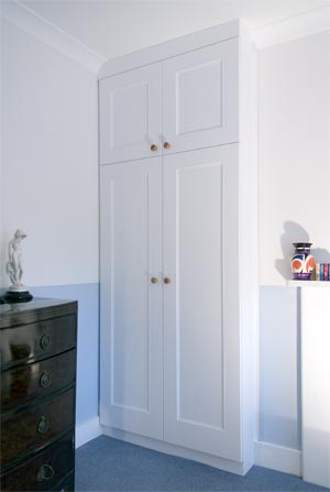 Fitted Furniture And Joinery   Fitted Wardrobes Central London/Built In Furniture/Custom Built Furniture/Bespoke Furniture/Built In Wardrobes/Bedroom Fitted Furniture/Built In Alcove Units/Made To Measure Furniture/Made To Measure Wardrobes/Bespoke Wardrobes