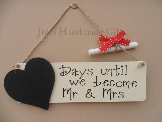 Wedding countdown chalkboard plaque sign engagement gift Mr /& Mrs
