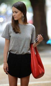 Look: Maxi Brinco + T-Shirt Cinza
