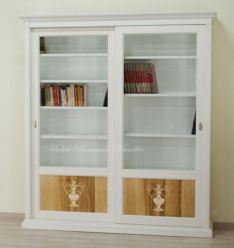 Libreria con ante scorrevoli, finitura bianco poco anticato, vetri ...
