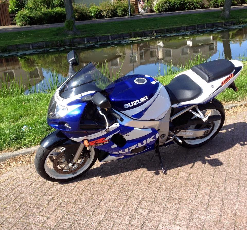 Suzuki GSX-R 600 #tekoop #aangeboden in de Facebookgroep #motorentekoopmt #motortreffer #suzuki #suzukigsxr #suzukigsxr600