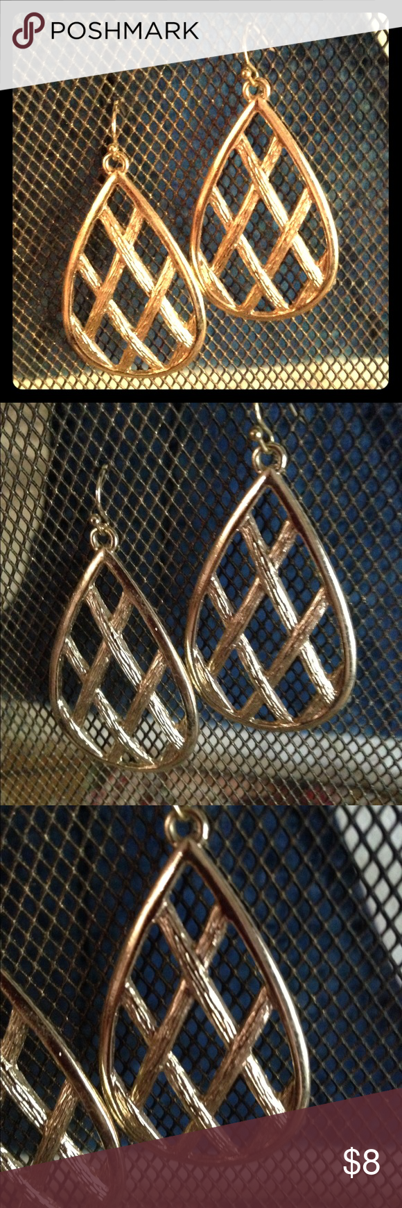 Gold tone basket print earring This is from the Sally C collection at Charming Charlie. Charlie's mothers collection she also sold on qvc, so a little more expensive than the average cc jewelry. Thank you for looking!! ❤️❤️offers always considered and don't forget the bundle option ❤️❤️❤️ Jewelry Earrings