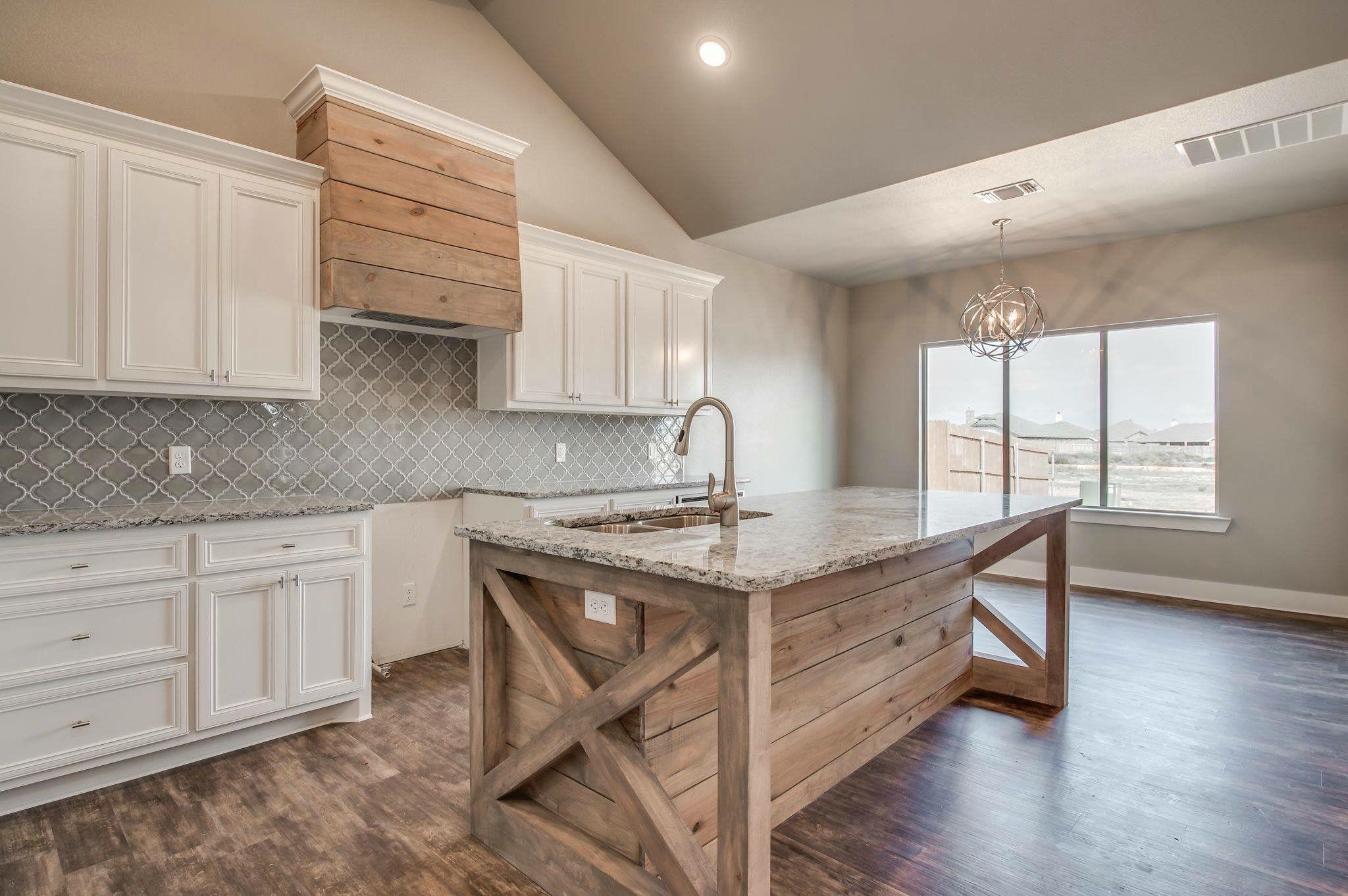 That vent hood! Kitchen remodel small, Kitchen range
