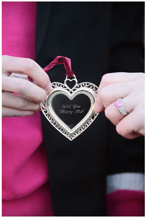 <3 A lovely, romantic way to ask! And a wonderful keepsake, too!!