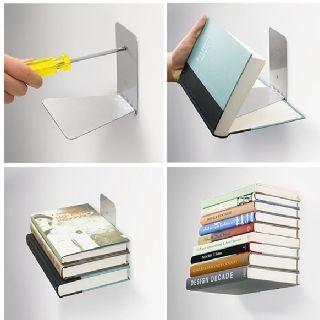 Repisa invisible. Instálala en el muro, ubica un libro de pasta dura para tapar la platina horizontal y ubica libros para tapar la platina vertical