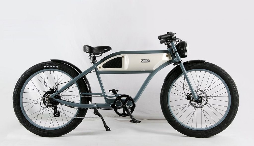 This Retro Look Electric Cruiser Bike Offers Vintage Style But No Carrying Capacity Cruiser Bike Bmx Bikes Best Bmx