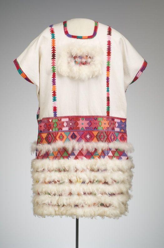 Huipil. Tzotzil (Zinacantan, Chiapas)volantitos de algodon protegen ...
