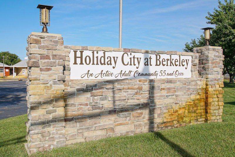 Holiday City At Berkeley Toms River Nj 55 Places Communities