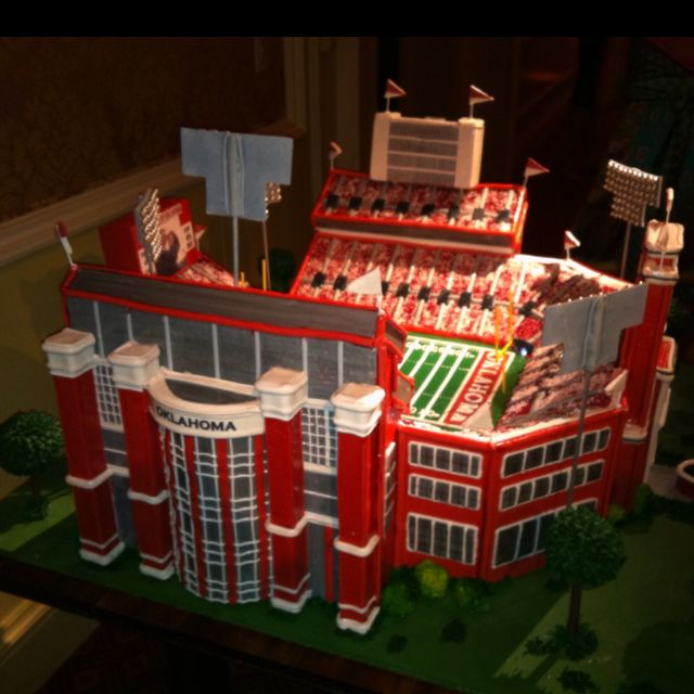 Ou Stadium Wedding Cake
