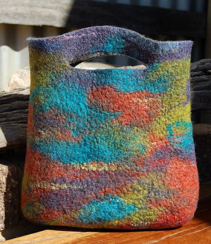 The other side of the hand bag | Wet felted handbag made of … | Flickr